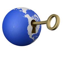 Bola del mundo con llave abriendo