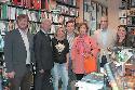 Narciso Romero, miembros de ACENOMA y de la corporación en la librería Pernatel.